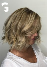 contrasted balayage hair painting loose waves lob haircut