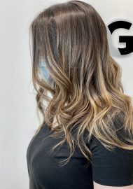 soft natural balayage textured waves